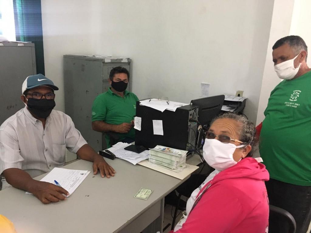 Secretaria de agricultura de Sossego inicia distribuição da vacina contra a febre aftosa